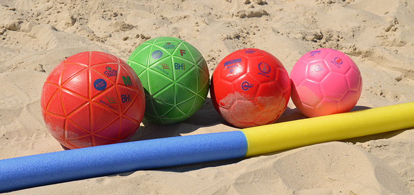 Balonmano playa, un deporte que cada vez gana más adeptos
