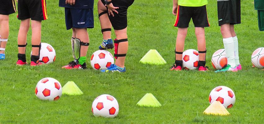 Materiales esenciales para la pretemporada de un equipo de fútbol